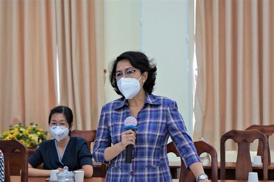VinMart tiếp sức tuyến đầu chống dịch cho hơn 300 phường/xã tại TP HCM - Ảnh 2.