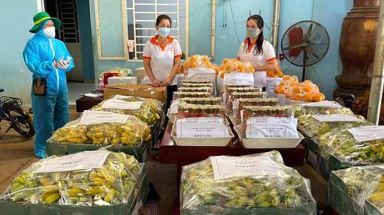 """Người Bình Phước đồng lòng """"trợ sức"""" 300 sinh viên ĐH Sư phạm TP HCM - Ảnh 4."""