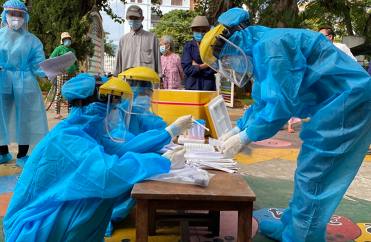 8 chùm lây nhiễm liên quan ca Covid-19 tại Công ty Giày Rieker ở Quảng Nam - Ảnh 1.