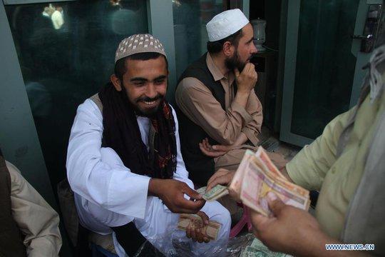 2.100 tỉ USD của Mỹ đã đè nát Afghanistan như thế nào? - Ảnh 3.