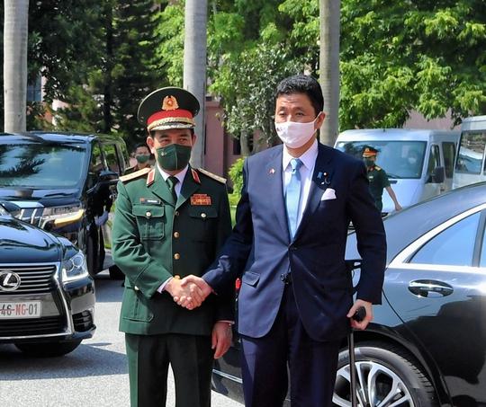 Việt Nam - Nhật Bản ký thỏa thuận chuyển giao thiết bị và công nghệ quốc phòng - Ảnh 3.