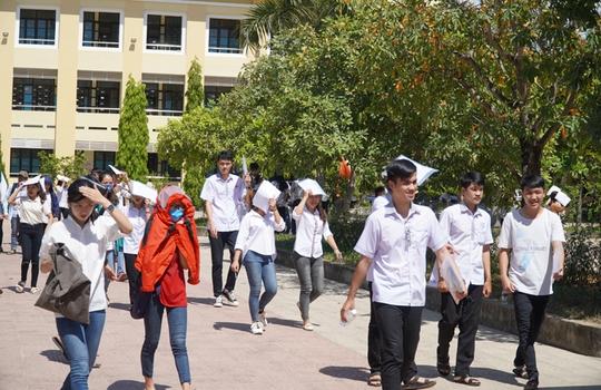 Học sinh Quảng Bình được miễn 100% học phí học kỳ 1, năm học 2021-2022 - Ảnh 1.