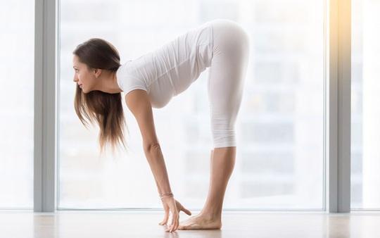 Các bài tập giãn cơ nên tập trước khi đi ngủ và những thay đổi bất ngờ tới sức khoẻ - Ảnh 1.