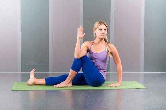 Các bài tập giãn cơ nên tập trước khi đi ngủ và những thay đổi bất ngờ tới sức khoẻ - Ảnh 5.