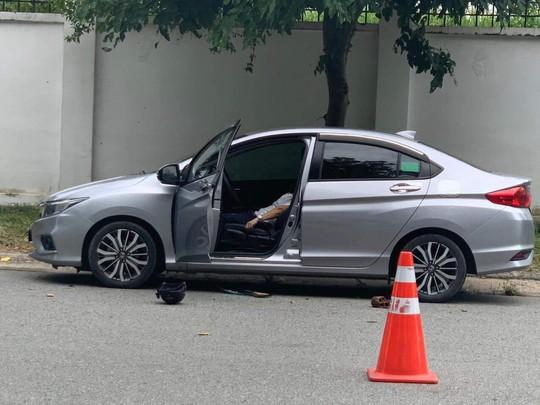 Bình Dương: Bí thư thị trấn Lai Uyên chết trong ôtô - Ảnh 1.