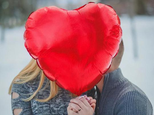 Khoảng cách chênh lệch tuổi tác trong tình yêu bao nhiêu là đủ đầy? - Ảnh 1.