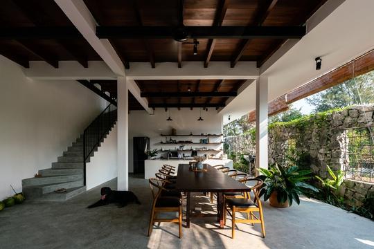 Những căn bếp Việt đầy nắng, gió và cây xanh - Ảnh 4.