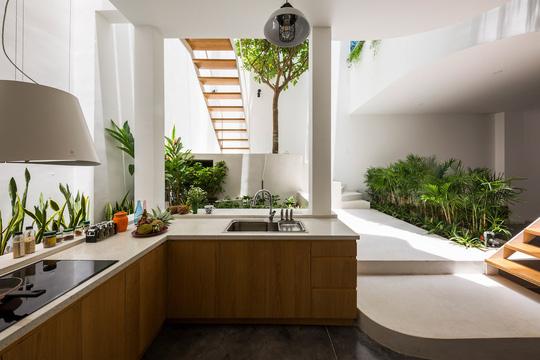 Những căn bếp Việt đầy nắng, gió và cây xanh - Ảnh 5.