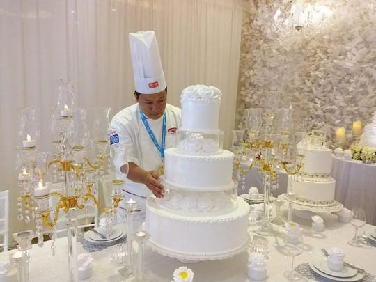 Đầu bếp Vũ Xuân Trường chia sẻ câu chuyện theo đuổi đam mê với nghề làm bánh - Ảnh 1.