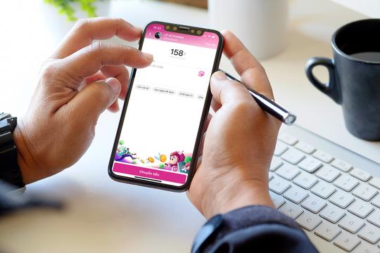 Vui Trung thu cùng MoMo, 100% người dùng nhận quà và có cơ hội trúng thưởng iPhone 12 - Ảnh 1.