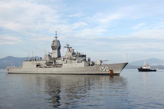 Nhóm tàu tác chiến hải quân Úc thăm Việt Nam - Ảnh 4.