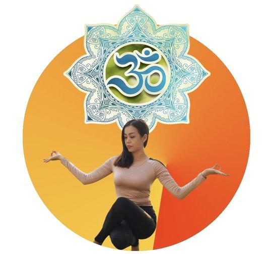 Người phụ nữ nhiệt huyết với yoga và thiền - Ảnh 1.