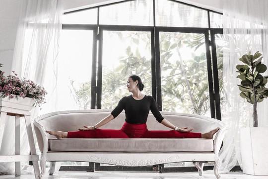 Người phụ nữ nhiệt huyết với yoga và thiền - Ảnh 2.