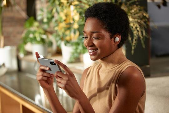 Tai nghe chống ồn Sony WF-1000XM4 chính thức trở lại - Ảnh 1.