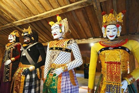 Chuyện tình sau ngôi đền thiêng ở Bali - Ảnh 1.