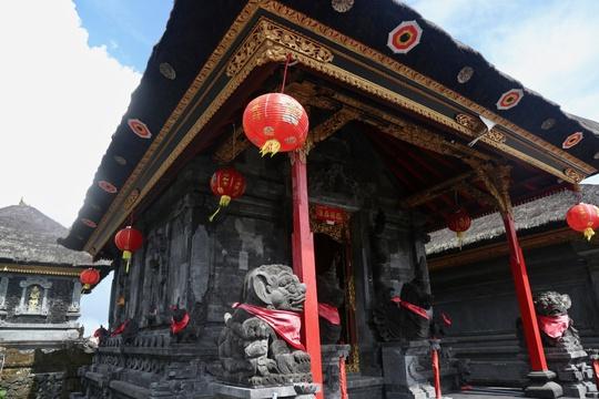Chuyện tình sau ngôi đền thiêng ở Bali - Ảnh 3.