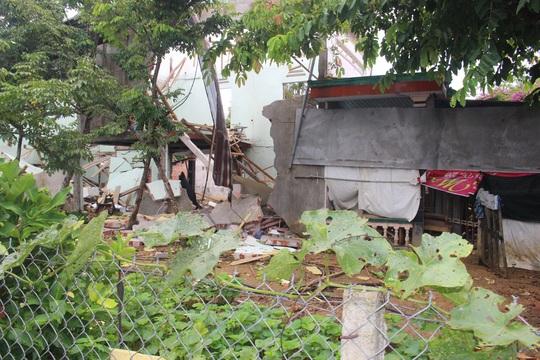 Nổ kinh hoàng gây chết người, sập nhà ở Quảng Nam - Ảnh 6.