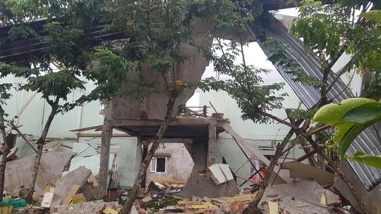 Nổ kinh hoàng gây chết người, sập nhà ở Quảng Nam - Ảnh 4.