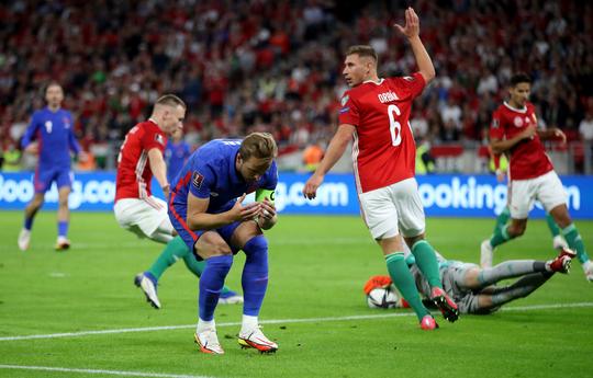 Bùng nổ muộn màng, tuyển Anh thắng 4 sao tại chảo lửa Budapest - Ảnh 5.