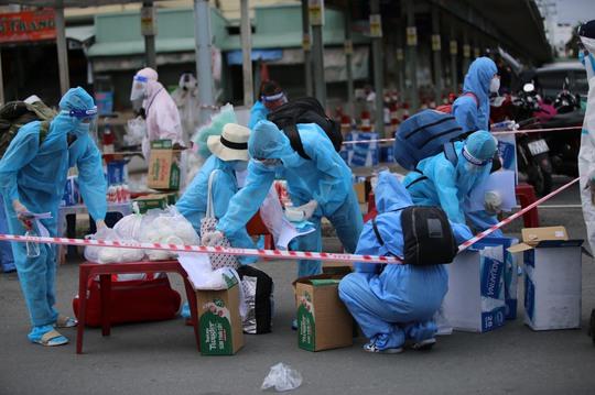 Danh sách 700 người dân Phú Yên được đón về quê từ TP HCM chiều 4-9 - Ảnh 2.