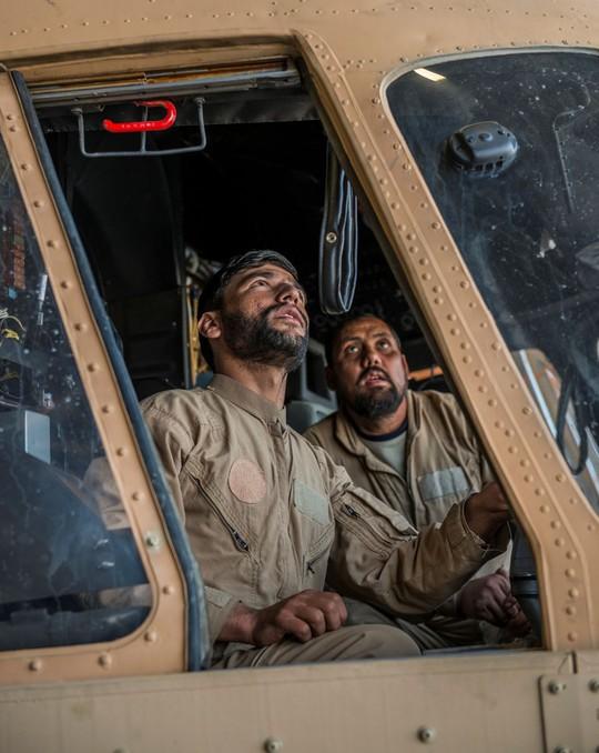 Tình cảnh bi đát của các phi công Afghanistan được Mỹ đào tạo - Ảnh 3.
