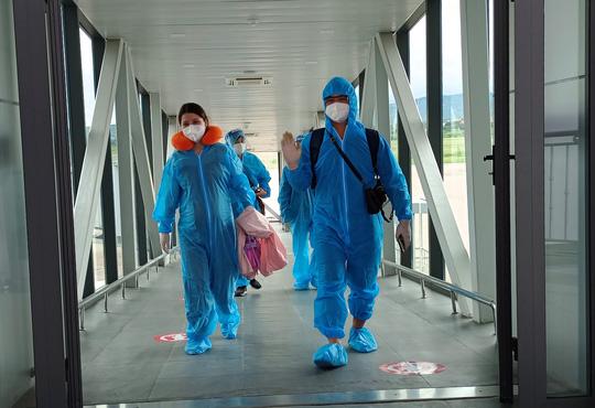 Hàng trăm thai phụ được Lâm Đồng đón về để sinh con - Ảnh 5.