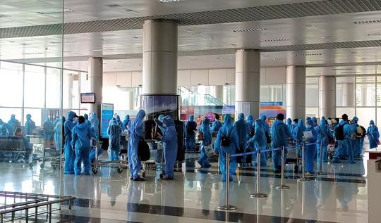 Hàng trăm thai phụ được Lâm Đồng đón về để sinh con - Ảnh 7.