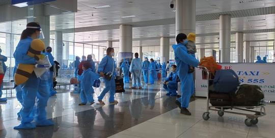 Hàng trăm thai phụ được Lâm Đồng đón về để sinh con - Ảnh 6.