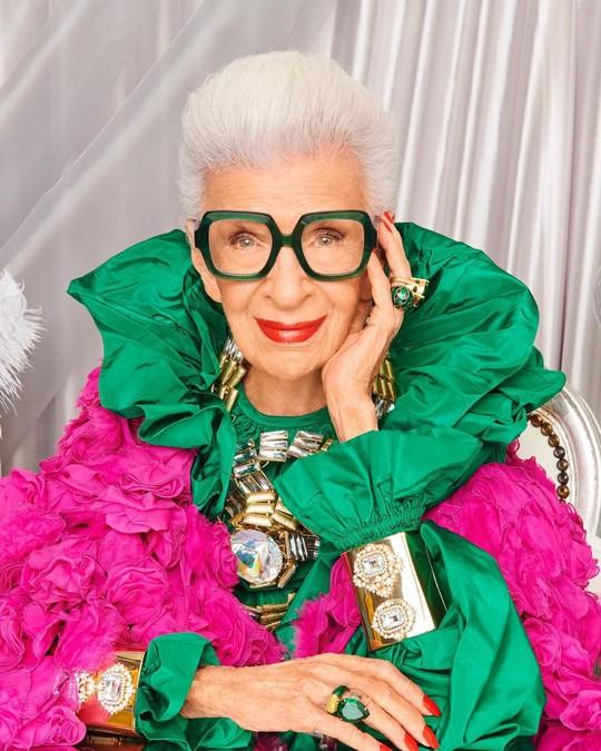 Cụ bà 100 tuổi mặc đẹp nhất thế giới - Ảnh 2.
