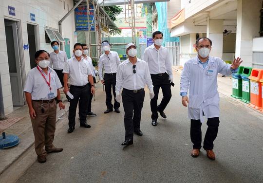 Tập đoàn Hưng Thịnh tài trợ 1 tỉ đồng cho chương trình nghiên cứu thuốc điều trị Covid-19 của Bệnh viện Thống Nhất - Ảnh 4.