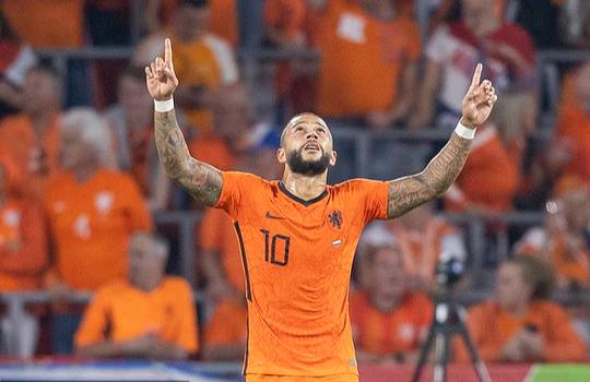 Tân binh Barcelona tỏa sáng, Hà Lan mở tiệc bàn thắng trước Montenegro - Ảnh 2.