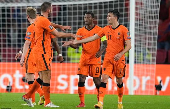 Tân binh Barcelona tỏa sáng, Hà Lan mở tiệc bàn thắng trước Montenegro - Ảnh 4.