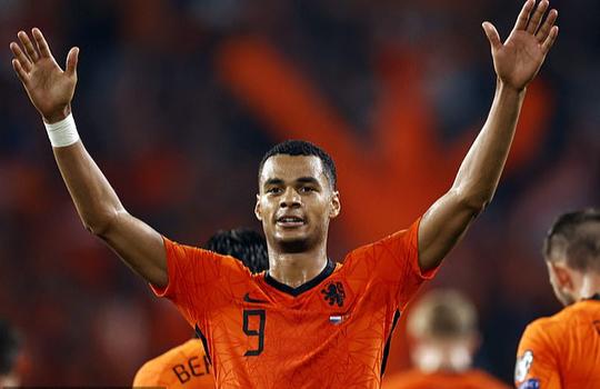 Tân binh Barcelona tỏa sáng, Hà Lan mở tiệc bàn thắng trước Montenegro - Ảnh 5.