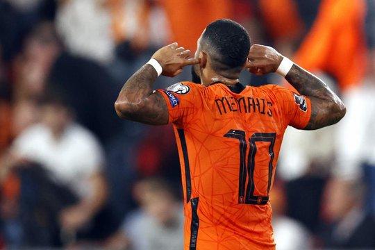 Tân binh Barcelona tỏa sáng, Hà Lan mở tiệc bàn thắng trước Montenegro - Ảnh 3.