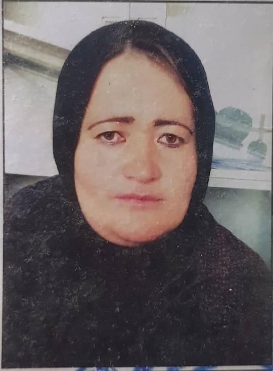 Taliban bị cáo buộc bắn chết nữ cảnh sát mang thai trước mặt gia đình - Ảnh 1.