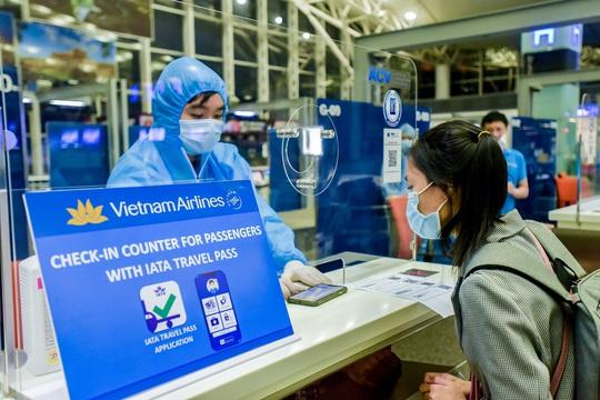 Cần một cơ quan chuyên trách, chịu trách nhiệm về triển khai hộ chiếu vắc-xin - Ảnh 1.