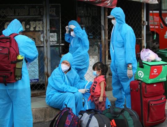 Danh sách hơn 1.400 người dân Phú Yên được đón về quê từ TP HCM và Bình Dương - Ảnh 2.