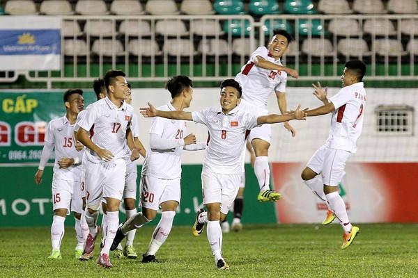 U19 Việt Nam thắng nghẹt thở CLB Hàn Quốc