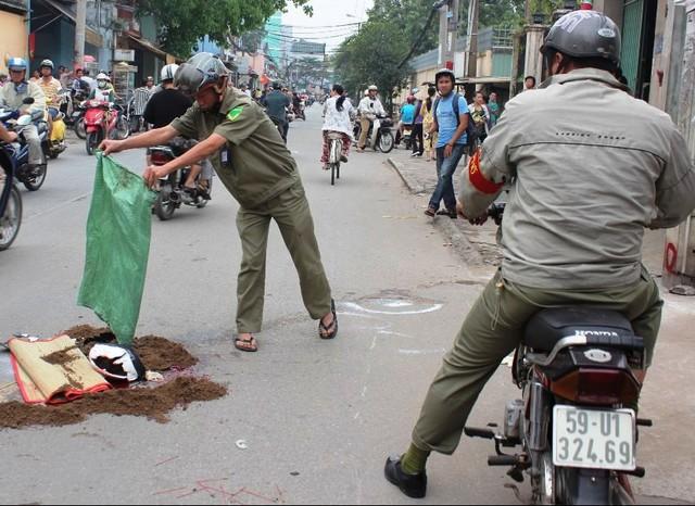 Cảnh sát đang xử lý hiện trường vụ tai nạn