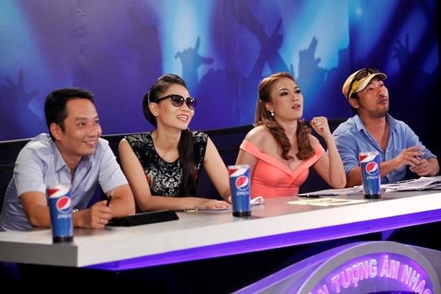 Bốn giám khảo trong tập 2 Vietnam Idol 2013