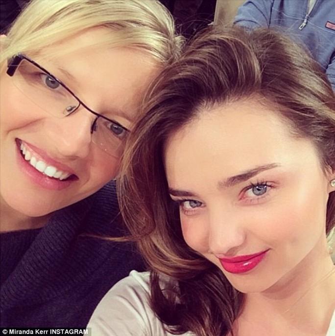 Miranda và chị họ