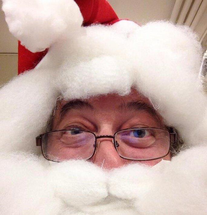"""Sao khoe ảnh """"tự sướng"""" dịp Noel"""
