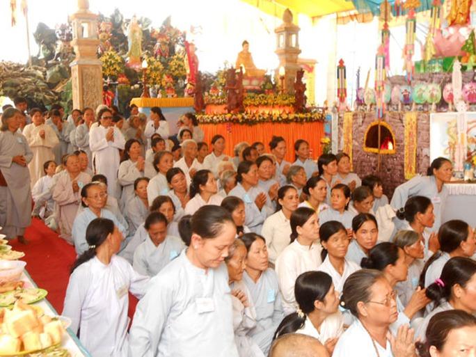 Đại lễ cầu siêu anh hùng liệt sỹ và dân binh Hoàng Sa – Trường Sa trên đảo Lý Sơn.