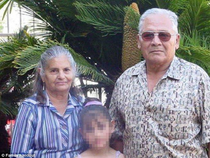 Bà Maria de Jesus Arroyo và người chồng. Ảnh: Daily Mail