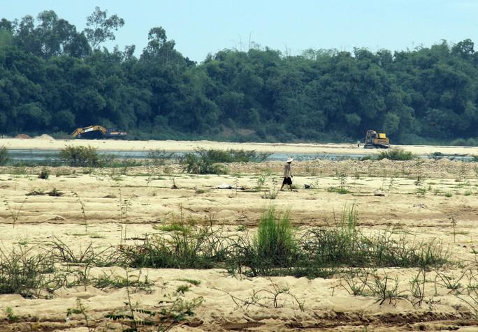 Bãi cát Nam Phước đang được khai thác trái phép