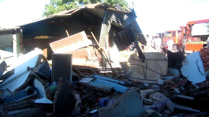 Căn nhà cấp 4 bị đổ sập hoàn toàn
