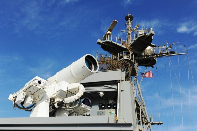 Hệ thống vũ khí laser được thử nghiệm trên tàu U.S.S. Ponce. Ảnh: U.S. Navy