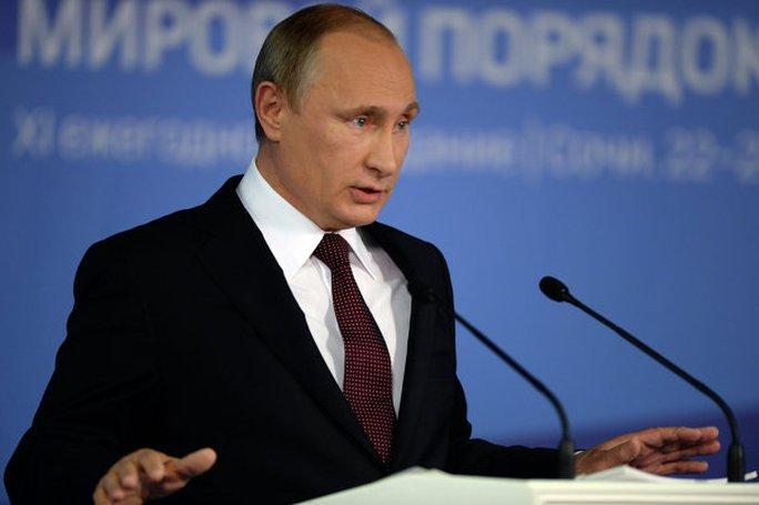 Ông Putin phát biểu trước các học giả tham gia câu lạc bộ Valdai ở Sochi. Ảnh: RIA Novosti