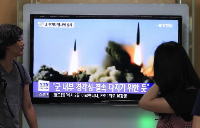 Một cuộc thử nghiệm tên lửa của Bình Nhưỡng hồi tháng 6. Ảnh: AP