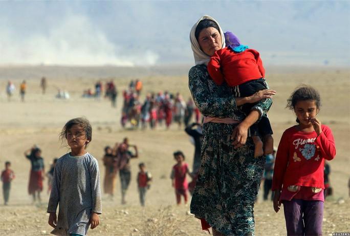 IS dường như đang muốn tận diệt cộng đồng thiểu số Yazidi ở miền Bắc Iraq. Ảnh: Reuters